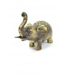 Figurina proboscide di elefante in aria, un numero fortunato in bronzo.
