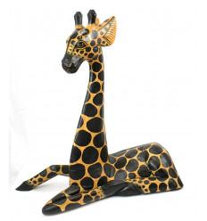 La grande statua giraffa decorazione etnica animali della savana africana.