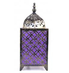 Lampada orientali in ferro battuto a buon mercato. Arredamento marocchino di artigianato.