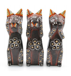 Statuette cat wooden house in the world. Bali handicraft cheap.