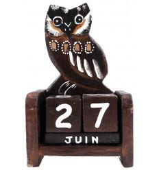 Calendario perpetuo gufo gufo in legno intagliato a mano.