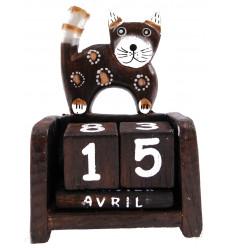 Calendario perpetuo gatto in legno. Artigianato di Bali. Dipinta a mano.
