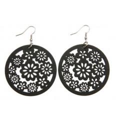 Boucles d'oreilles en bois. Motif floral. Teinte noir.