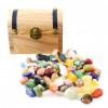 Coffre en bois avec assortiment de minis pierres roulées
