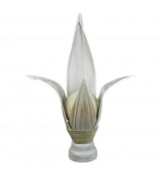 Lampada africani in lamiera di cocco bianco spazzolato. Etnica decorazione esotica.
