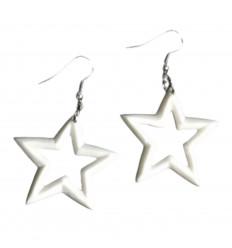 Boucles d'oreilles originales motif étoile en os de buffle sculpté.