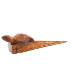 Cale-porte tortue en bois marron sculpté à la main